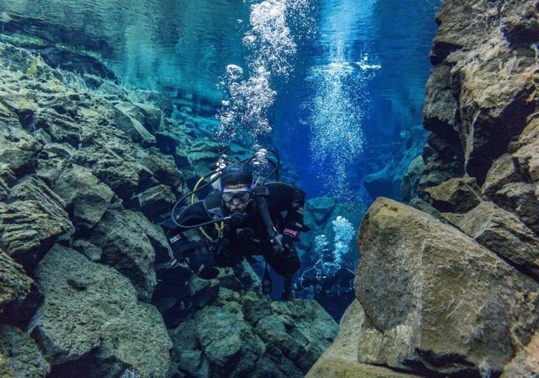 Island - Tauchen zwischen zwei Kontinenten