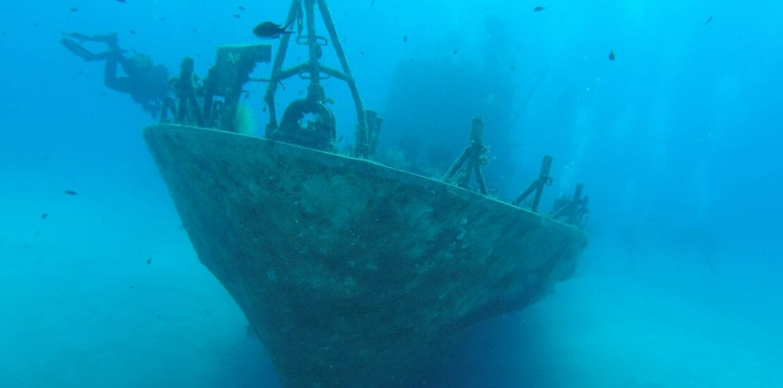 Wracktauchen in den Tiefen des Meeres