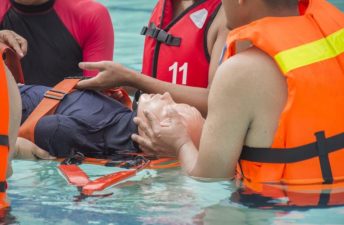 Rettungsdienst Taucherübung