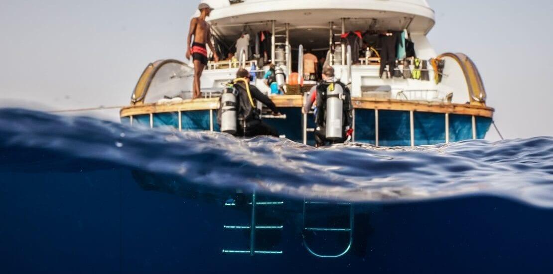Der Sprung ins kalte Wasser – Was man bei Bootstauchgängen beachten sollte