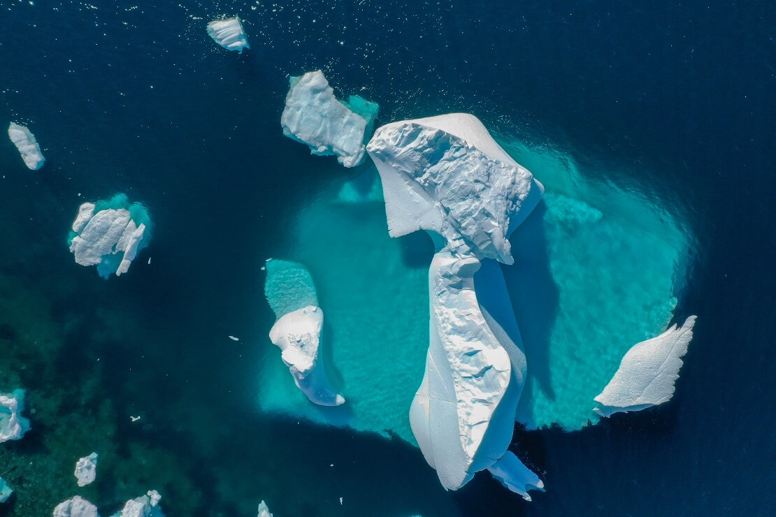 Eisschollen auf dem Wasser