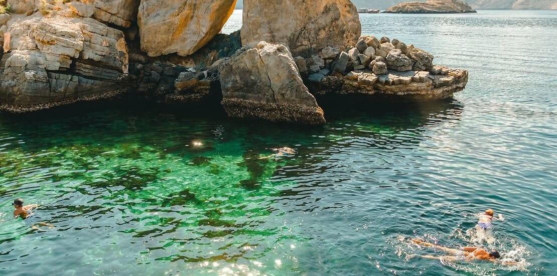 Abwechslungsreiche Tauchgänge in den Gewässern bei Oman