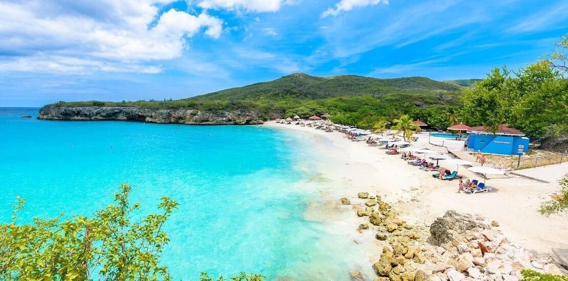 Die bunten Gewässer von Curacao im Karibischen Meer betauchen