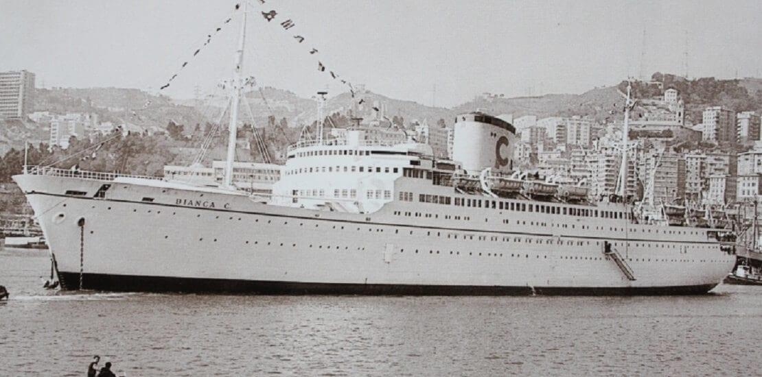 """Sehenswerte Schiffswracks #9: Die Bianca C. ist die """"Titanic der Karibik"""""""