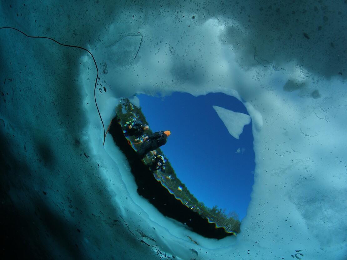Eistauchen im Lac de Lioson