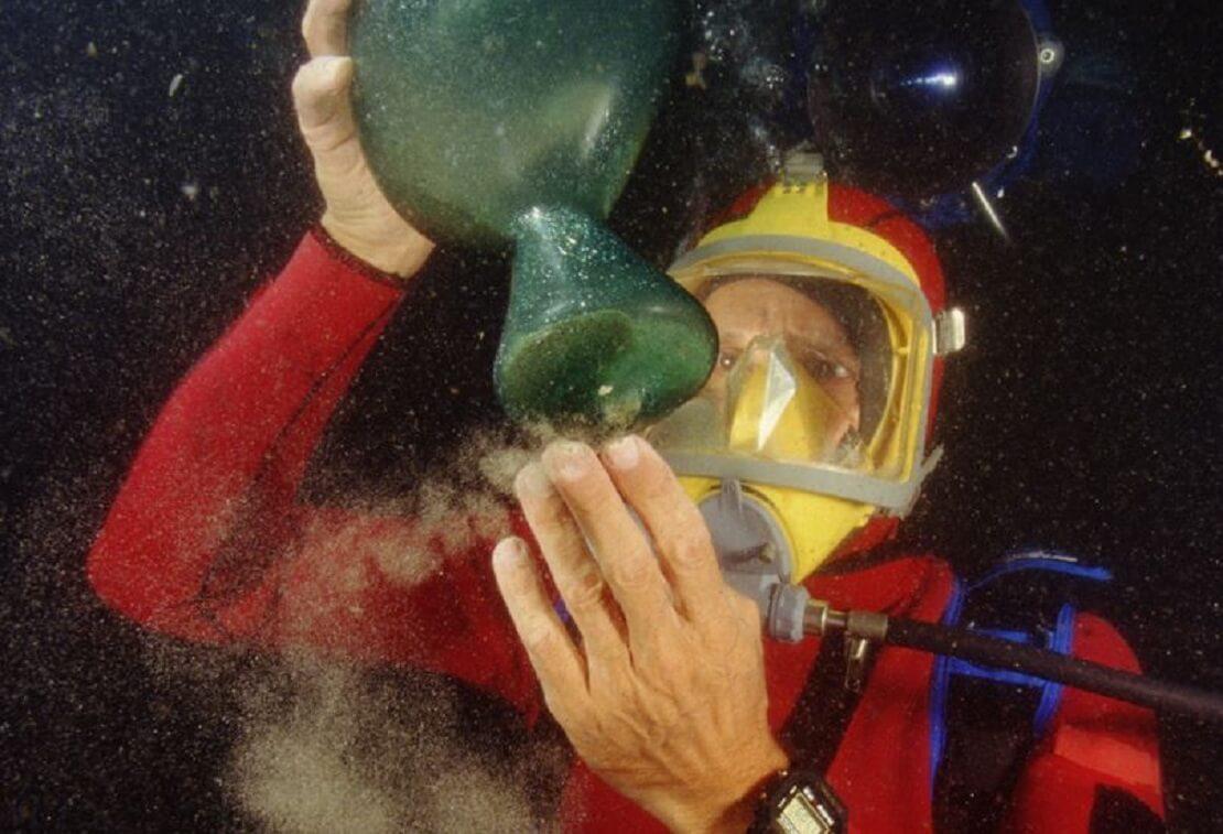 Franck Goddio entdeckt unter Wasser ein grünes Relikt