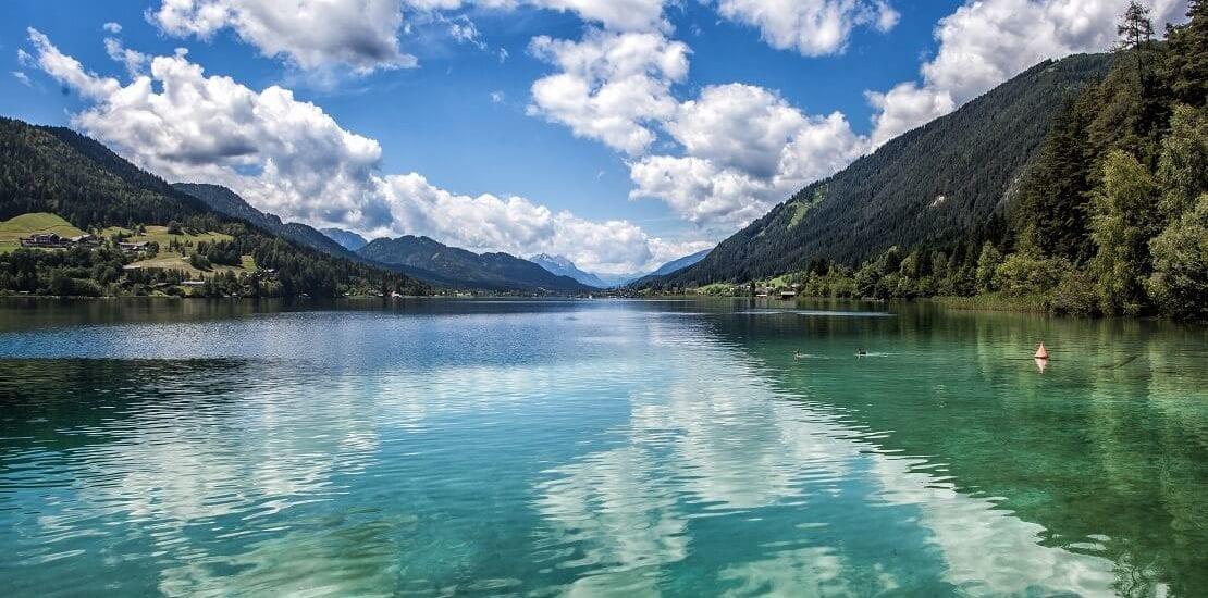 Hoch tauchen im österreichischen Weissensee