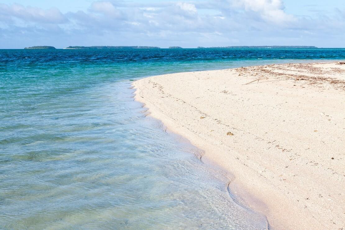 Der Sandstrand der Marshallinseln