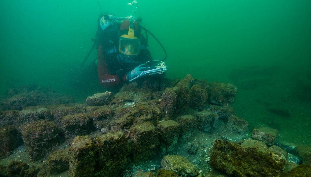 Franck Goddio während einer Unterwasserentdeckung