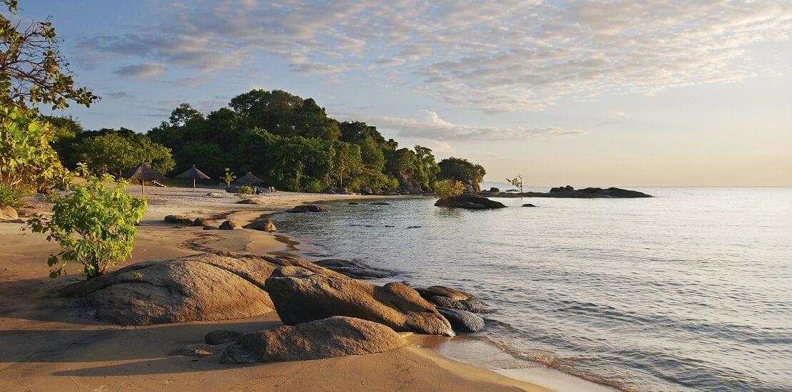 Afrika: Der Malawisee mit einer Tiefe von 700 Metern