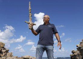 900 Jahre Unterwasser: Hobby-Taucher findet Kreuzritterschwert